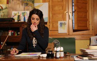 Araceli García, ilustradora artesana y diseñadora, en su estudio de Granada fotografiada por @jesuscast